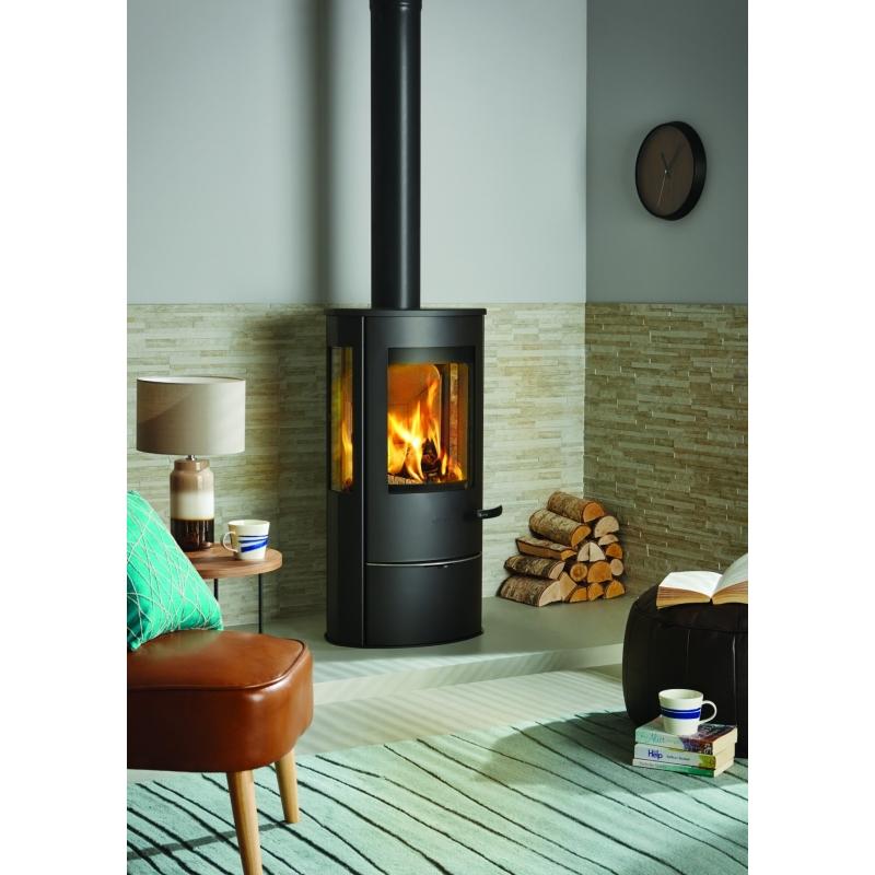 profitez de la chaleur douce du po le bois scandinave. Black Bedroom Furniture Sets. Home Design Ideas