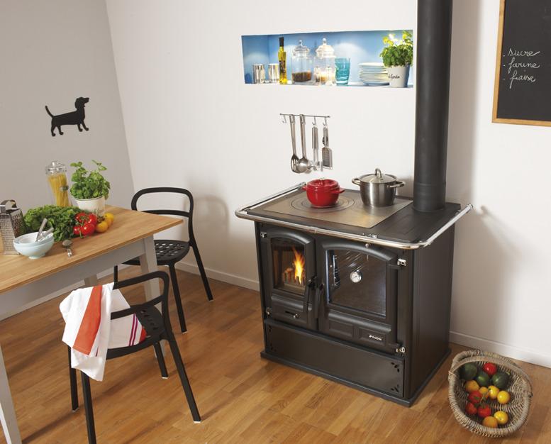 Cuisini re bois godin divomes offrez vous la cuisini re for Cuisiniere design