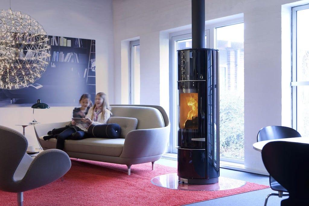 chaleur douce avec le po le bois scandinave lotus prestige magic. Black Bedroom Furniture Sets. Home Design Ideas